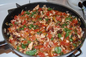 Spicy black beans, tomatoes & chicken