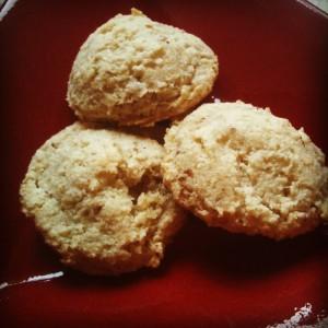 gluten free / vegan almond macaroons